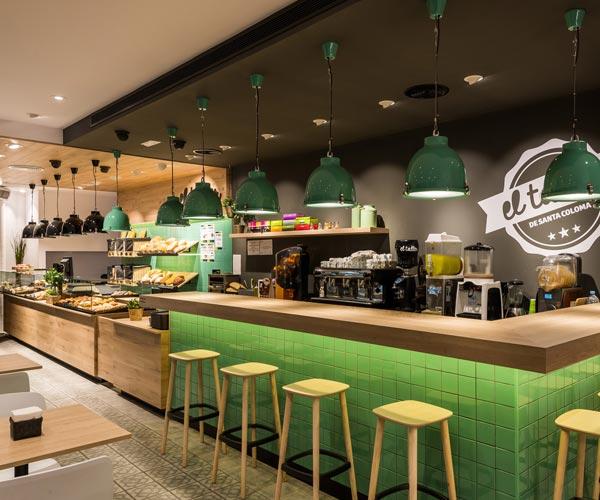 Reformes Integrals de locals comercials a Barcelona. Reforma de fleca cafeteria.
