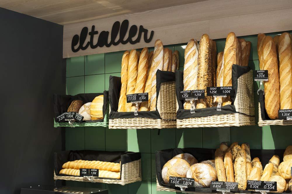 Cestas de mimbre a medida para panaderías. El Taller Gracia. Diseño Sincro