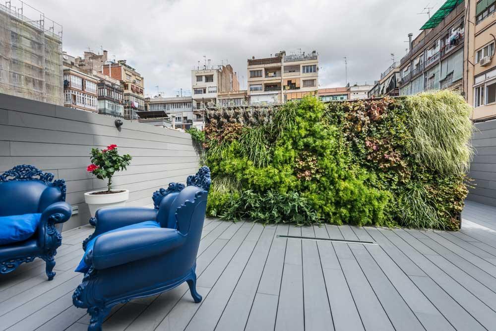 Jardín vertical patio Eixample Barcelona. Interiorismo Residencial Sincro.