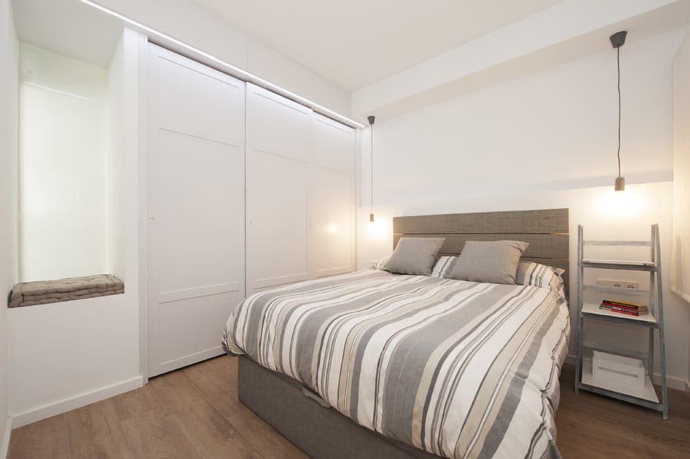 Armario iluminado con led. Dormitorio principal. Reforma de piso Sincro