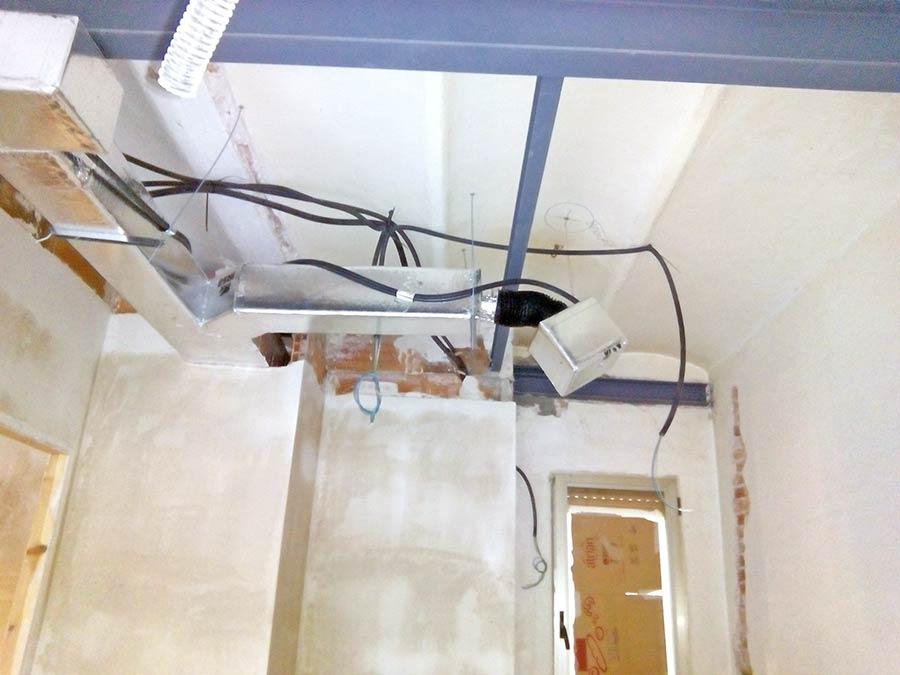 Instal·lacions en fals sostre: electricitat, climatització, telecomunicació ... Obra reforma