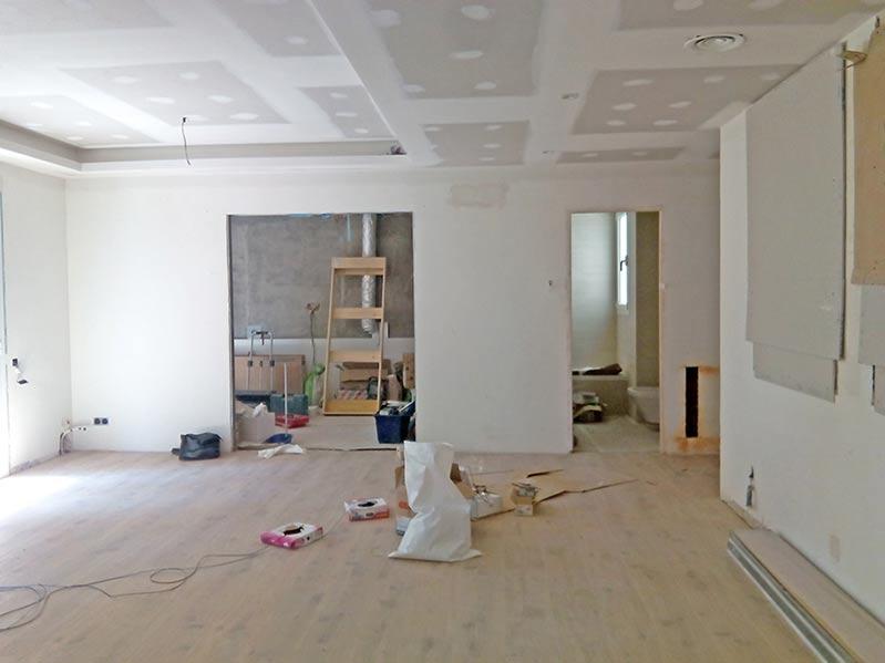 Apertura para puerta corredera en pared de pladur. Reforma de piso Sincro.