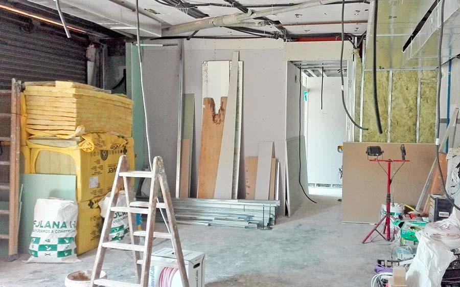 Aislamiento acústico y térmico en una pared de pladur - Reforma de piso Sincro