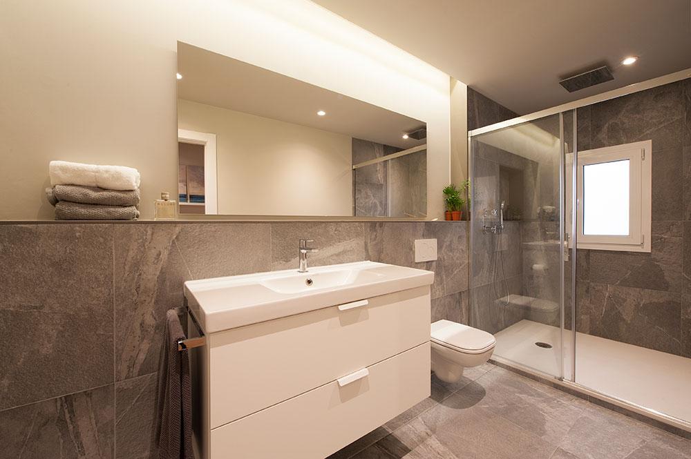 Avantatges d'instal·lar un inodor suspès al teu bany