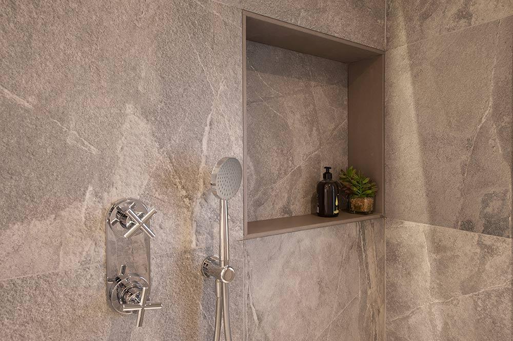 Nicho pared ducha para jabón. Reforma de piso Sincro.