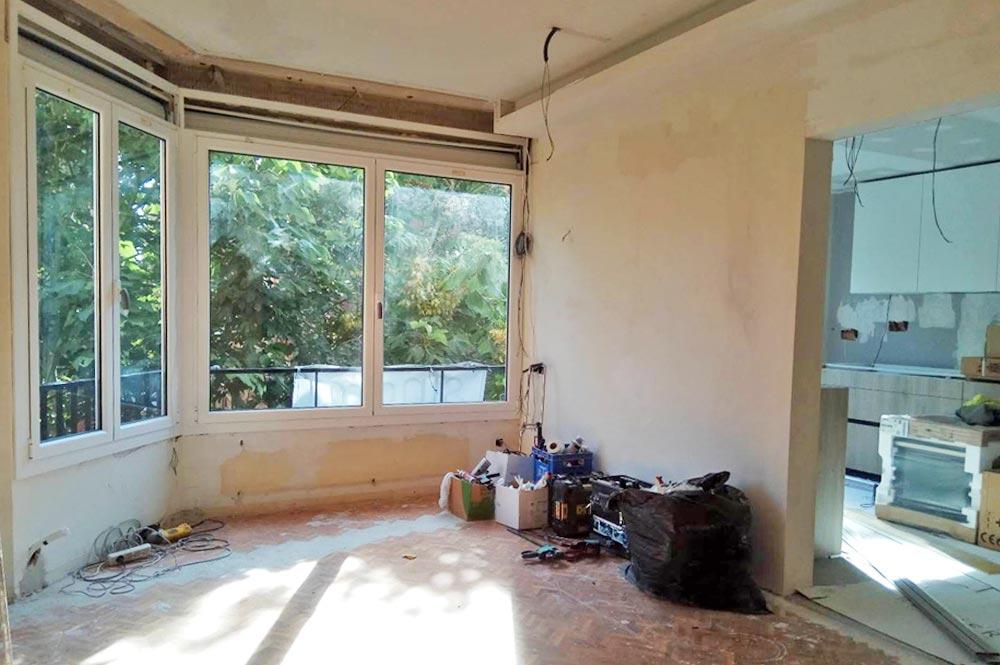 Instalación de ventanas de aluminio en un piso de barcelona