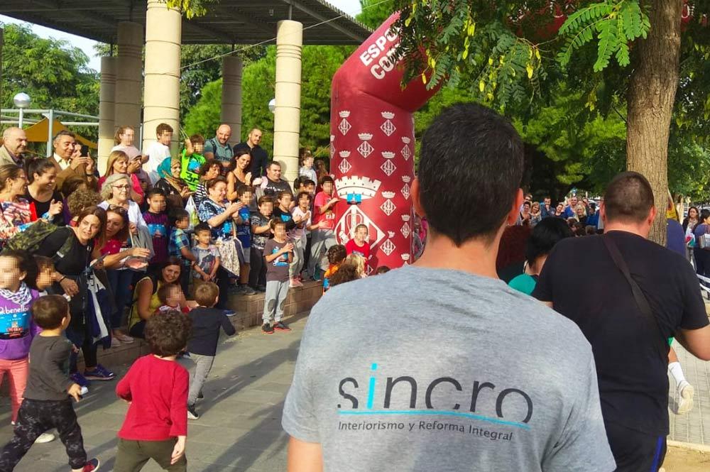 "Sincro participa a la cursa solidària ""La Vuelta al cole"" contra la leucèmia infantil"