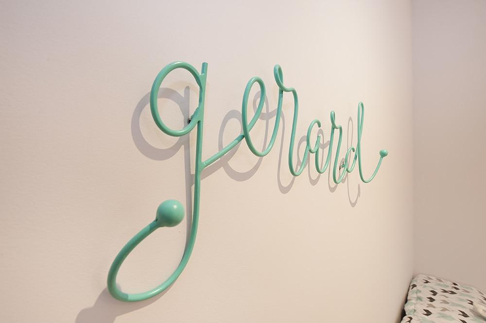 Colgador infantil color verde fabricado artesanalmente