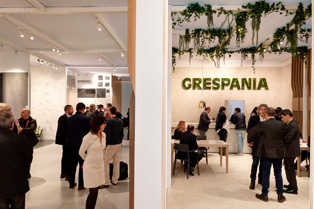 Visita stand de cerámica Crespania en feria Cevisama (Valencia - 2019)