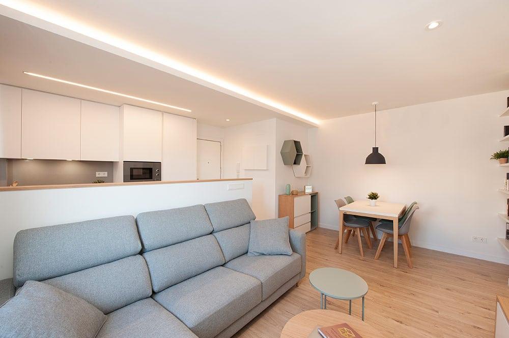 Luz indirecta mediante foseado en techo de pladur