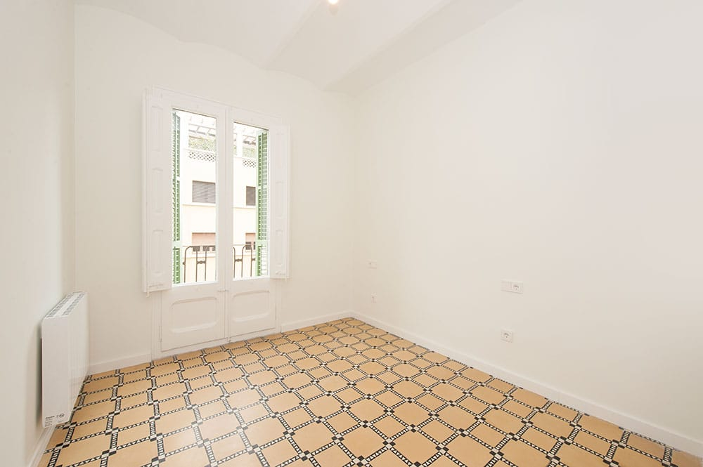 Dormitorio 2 sin amueblar reformado para piso de alquiler. Sincro rehabilitaciones