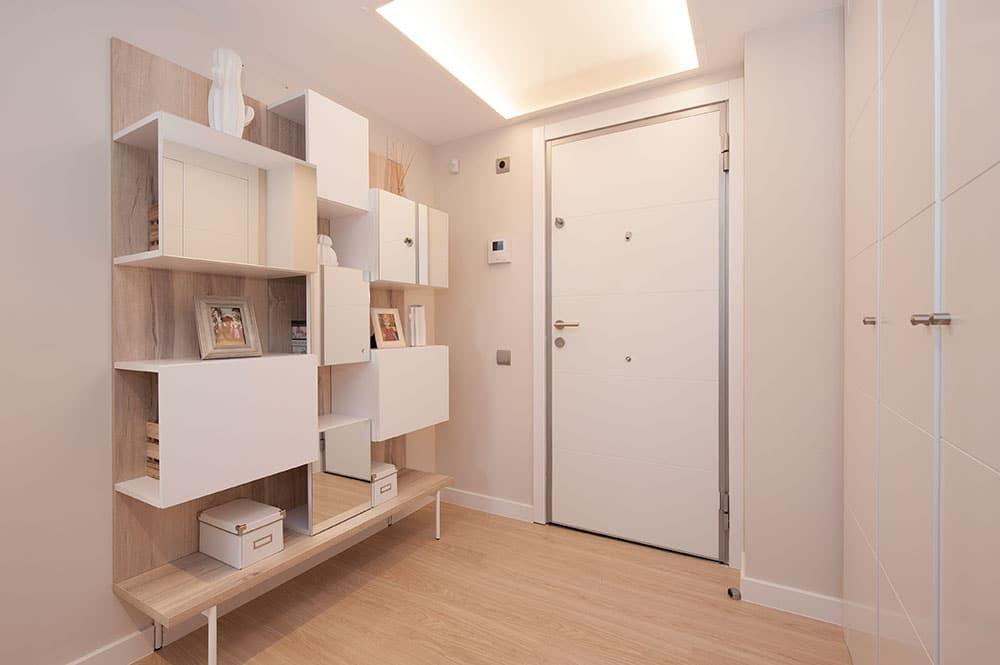 Mueble de recibidor con diferentes cubos Tegar Mobel - Proyecto de mobiliario Sincro