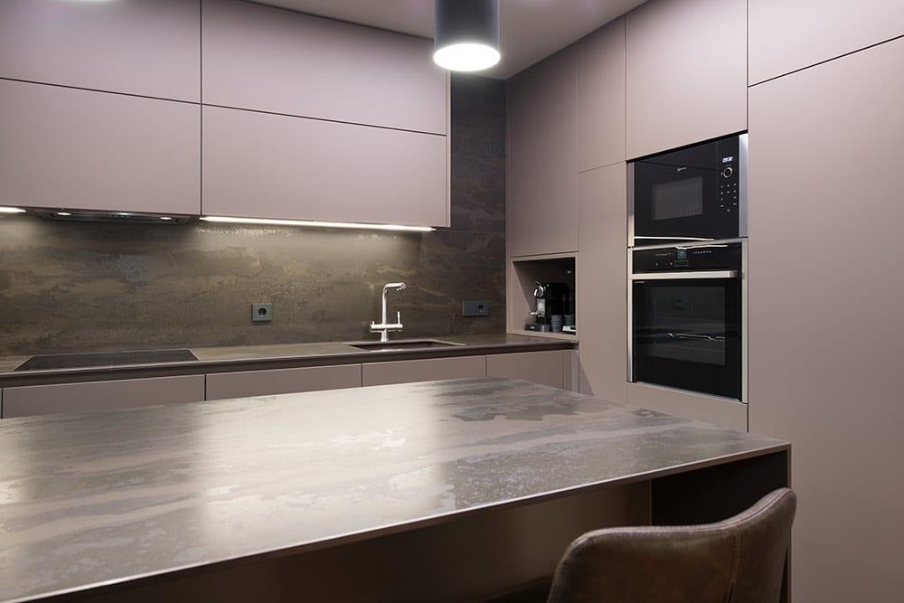 cocina moderna con colores oscuros: arcilla y oxidado