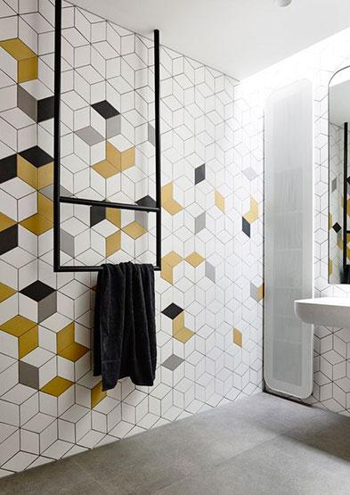 Rajoles bany paret amb dissenys geometrics
