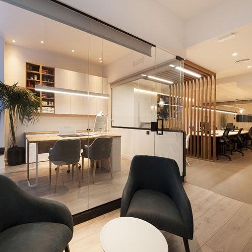 Opinió clienta de projecte de reforma i interiorisme d'una oficina dissenyada per Sincro