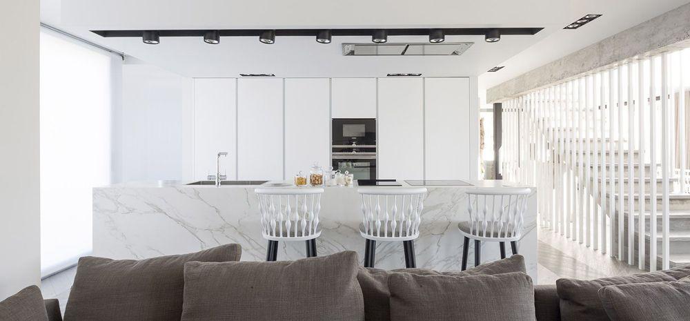 Luxosa casa a Eivissa amb cuina amb illa